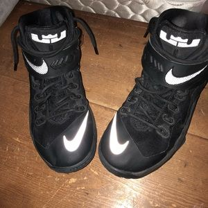 Lebron soldier 8 basketball shoes